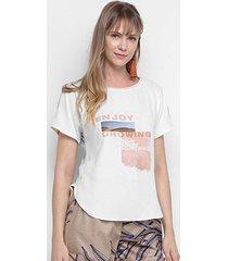 camiseta morena rosa abertura lateral enjoy growing feminina - feminino