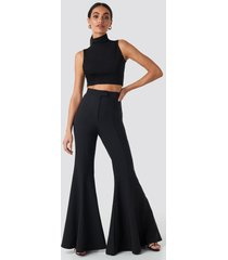 hoss x na-kd flowy pants - black
