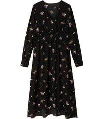 blommig, utställd klänning med lång ärm