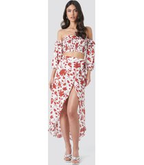 trendyol floral patterned skirt-blouse set - white,red