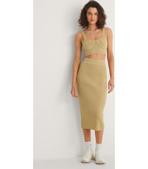 na-kd trend ribbstickad kjol - green