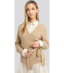 na-kd trend alpaca wrap around knitted sweater - beige