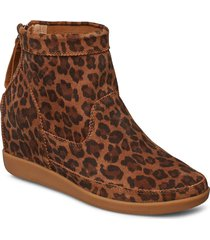 emmy leo s shoes boots ankle boots ankle boot - heel brun shoe the bear