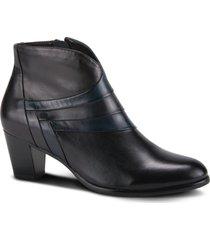 women's spring step cascalla faux fur lined bootie, size 8.5us - black