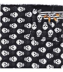 alexander mcqueen all-over skull print scarf - black