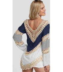 blusa de playa adornada con encaje de ganchillo color block
