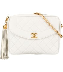 chanel pre-owned quilted fringe cc chain shoulder bag - white