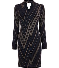 glanzende jurk met zigzagprint