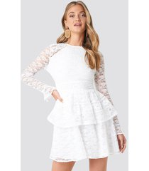 na-kd boho all over lace midi dress - white