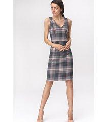 szara sukienka mini w kratę