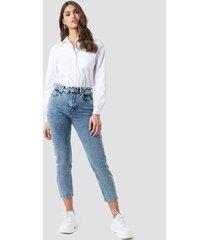 na-kd trend cropped 5 pocket jeans - blue