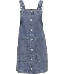 short dungaree snap dress mmbrg knälång klänning blå tommy jeans