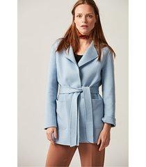 krótki, błękitny płaszcz wełniany