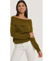 na-kd trend off-shoulder stickad tröja - green