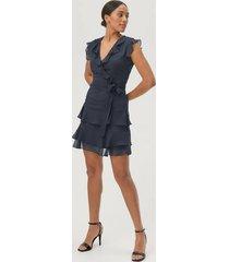 volangklänning slallegra dress
