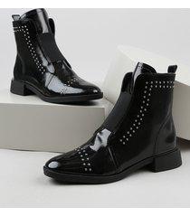 bota feminina oneself cano curto salto baixo com tachas preta