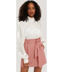 na-kd trend pu-kjol med bälte - pink