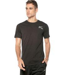 camiseta negra-blanca reebok