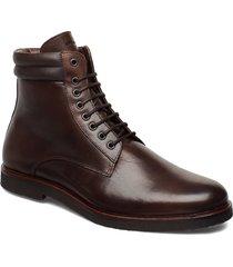 cast crepe combat boot snörade stövlar brun royal republiq