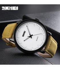 reloj de cuarzo simple para hombres-amarillo