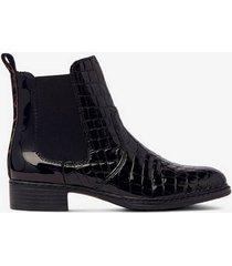 boots i lackat läder