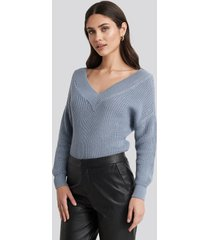 na-kd v-neck wide rib knitted sweater - blue