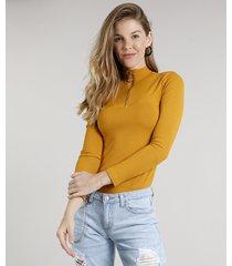 blusa feminina canelada com zíper de argola manga longa gola alta mostarda