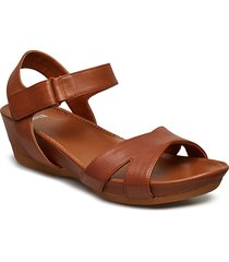micro shoes summer shoes flat sandals brun camper
