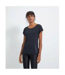 camiseta esportiva com recortes texturizados estampa strng | get over | preto | gg