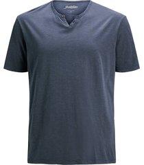 plus size t-shirt split neck