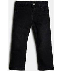jeansy z aplikacją z logo z tyłu fason slim