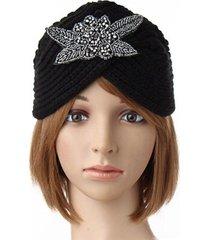 turbante lavorato a maglia all'uncinetto a fascia per capelli inverno caldo beanie hat metallo gioiello accessorio