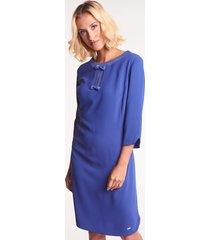 niebieska sukienka wizytowa