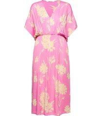 andina long dress aop 8083 knälång klänning rosa samsøe samsøe