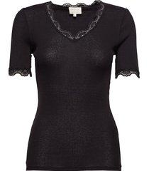 ariel short sleeve t-shirts & tops short-sleeved zwart minus