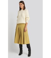na-kd classic tailored pleated midi skirt - yellow
