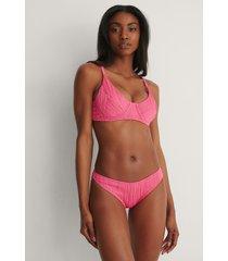 trendyol bikiniunderdel med struktur - pink
