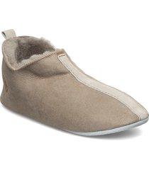 henrik slippers tofflor beige shepherd