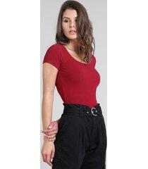 blusa feminina básica canelada manga curta decote redondo vermelha