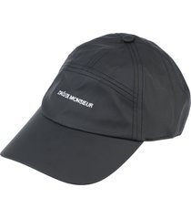 drôle de monsieur hats