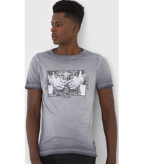 camiseta rock&soda estampada cinza - kanui