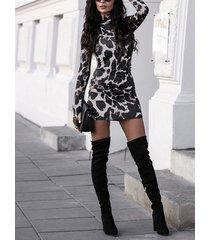 vaca negra patrón alto cuello mangas largas vestido