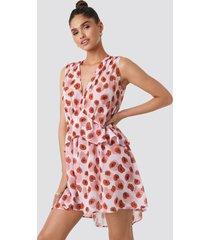 na-kd trend printed short chiffon dress - multicolor