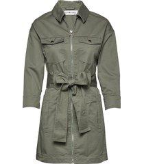 utility twill dress trenchcoat lange jas groen ivyrevel
