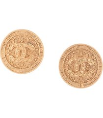 chanel pre-owned 1994 embossed cc earrings - gold
