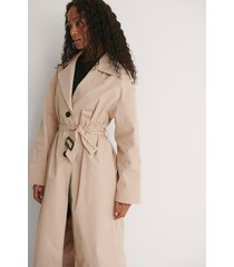 pelican bay x na-kd recycled trenchcoat - beige