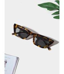 gafas de sol con lentes tintadas con montura acrílica de 1 pieza