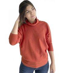 buzo color naranja, cuello de tortuga para mujer x49580