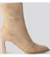 na-kd shoes suede look heeled boots - beige