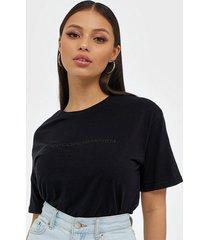 moss copenhagen liv organic logo tee t-shirts